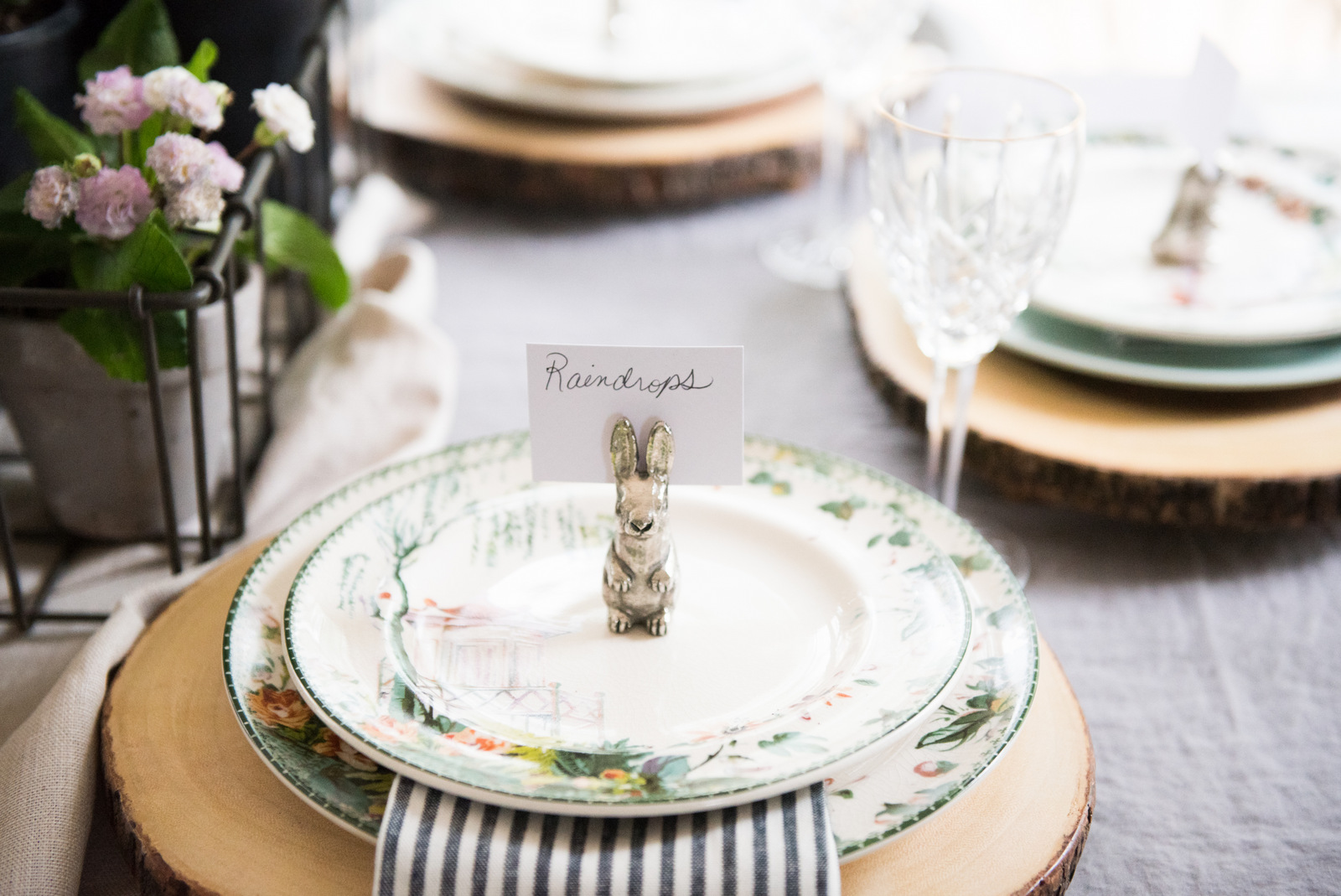 Spring is HERE - Let's Set the Table!
