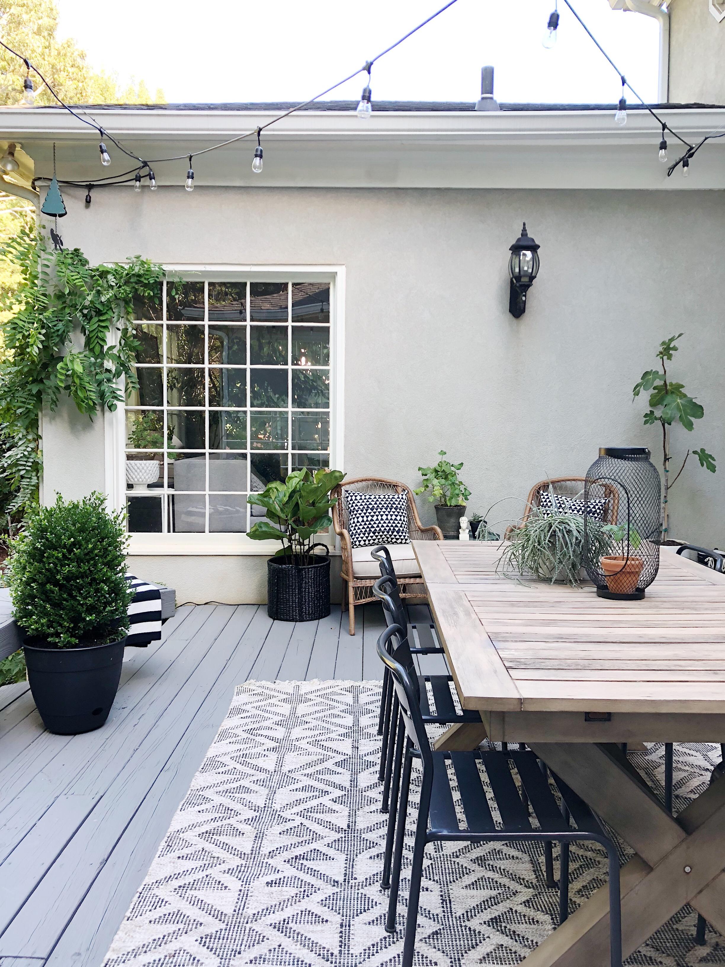 outdoor room | houseofvalentina.jpg