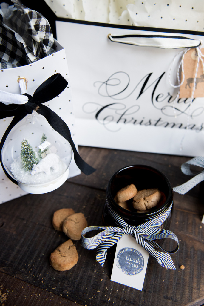 Make a Yummy Gift - That you will want to keep!