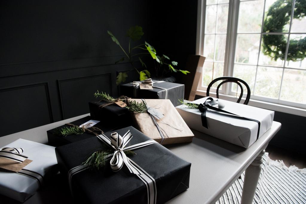 Christmas wrap  | House of Valentina-4.jpg
