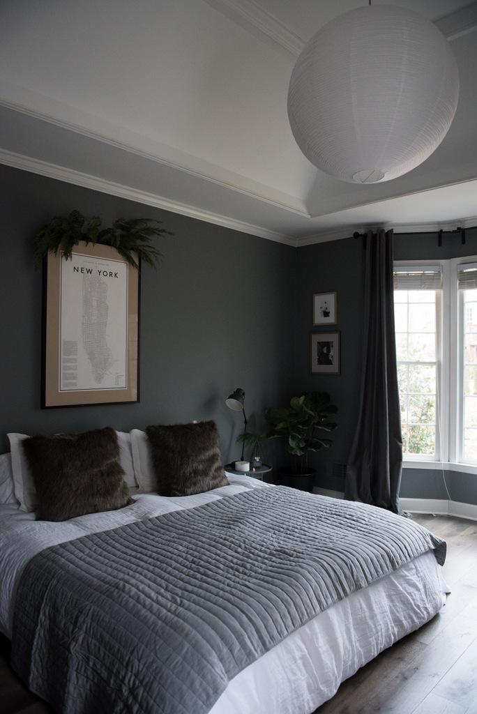 Christmas Master Bedroom    House of Valentina-9.jpg