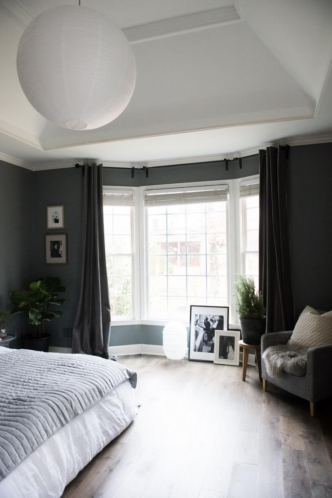 Christmas Master Bedroom    House of Valentina-10.jpg