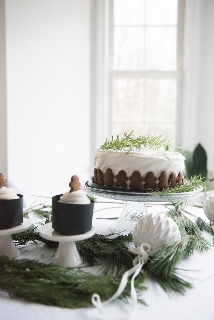 Christmas gingerman cake  | House of Valentina-6.jpg