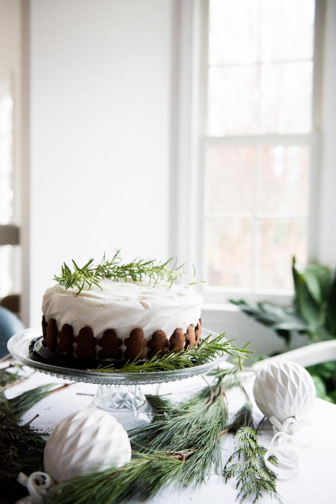 Christmas gingerman cake  | House of Valentina-7.jpg