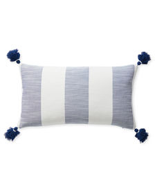 Dec_Pillow_Beach_Stripe_12x21_Navy_MV_0641_Crop_SH.jpg
