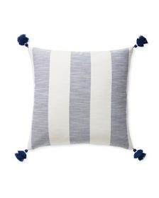 Dec_Pillow_Beach_Stripe_22x22_Navy_MV_0192_Crop_SH.jpg