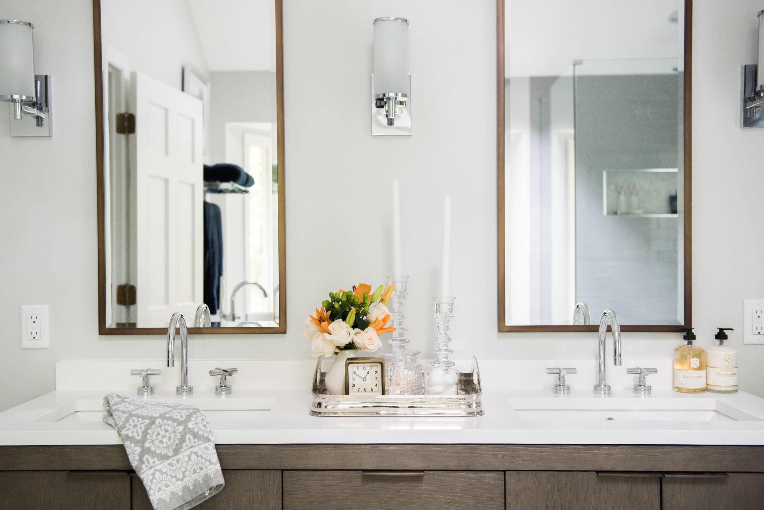 classic modern cozy master bathroom | House of Valentina-12.jpg