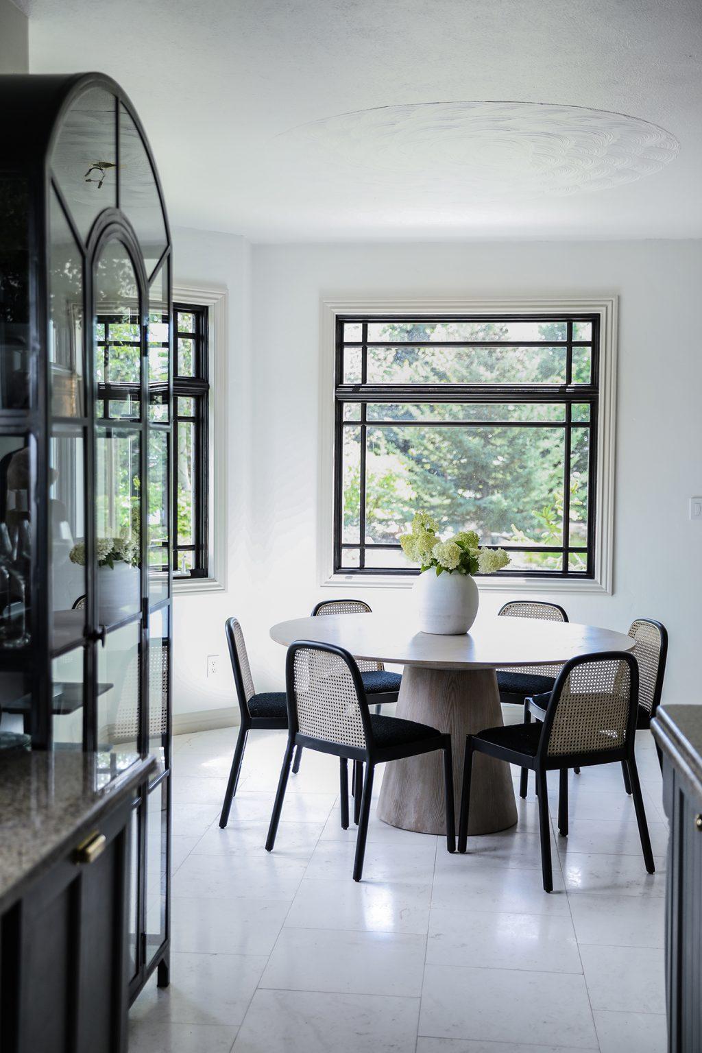 Budget Friendly modern cottage kitchen7.jpg