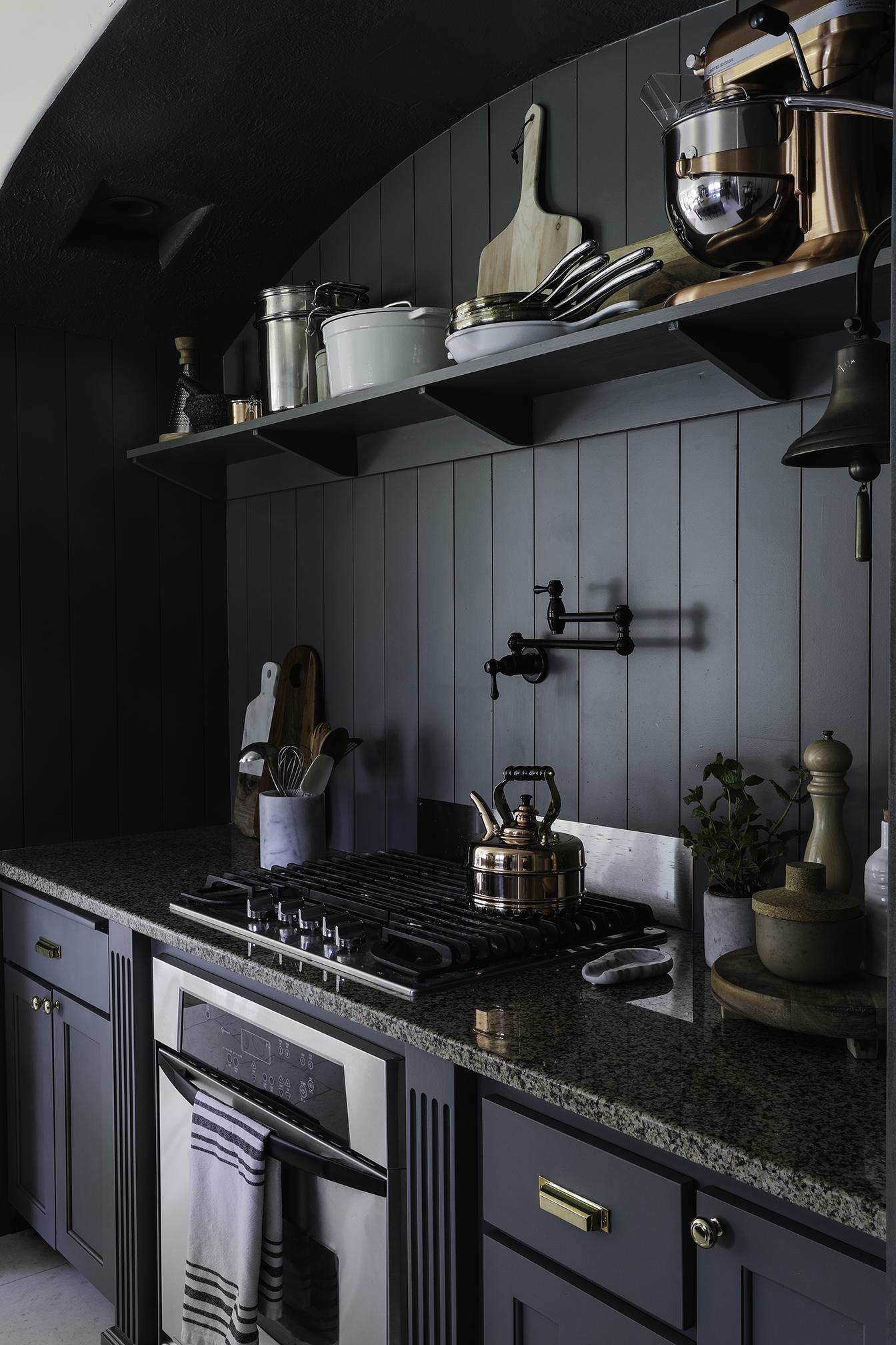 Budget Friendly modern cottage kitchen4.jpg