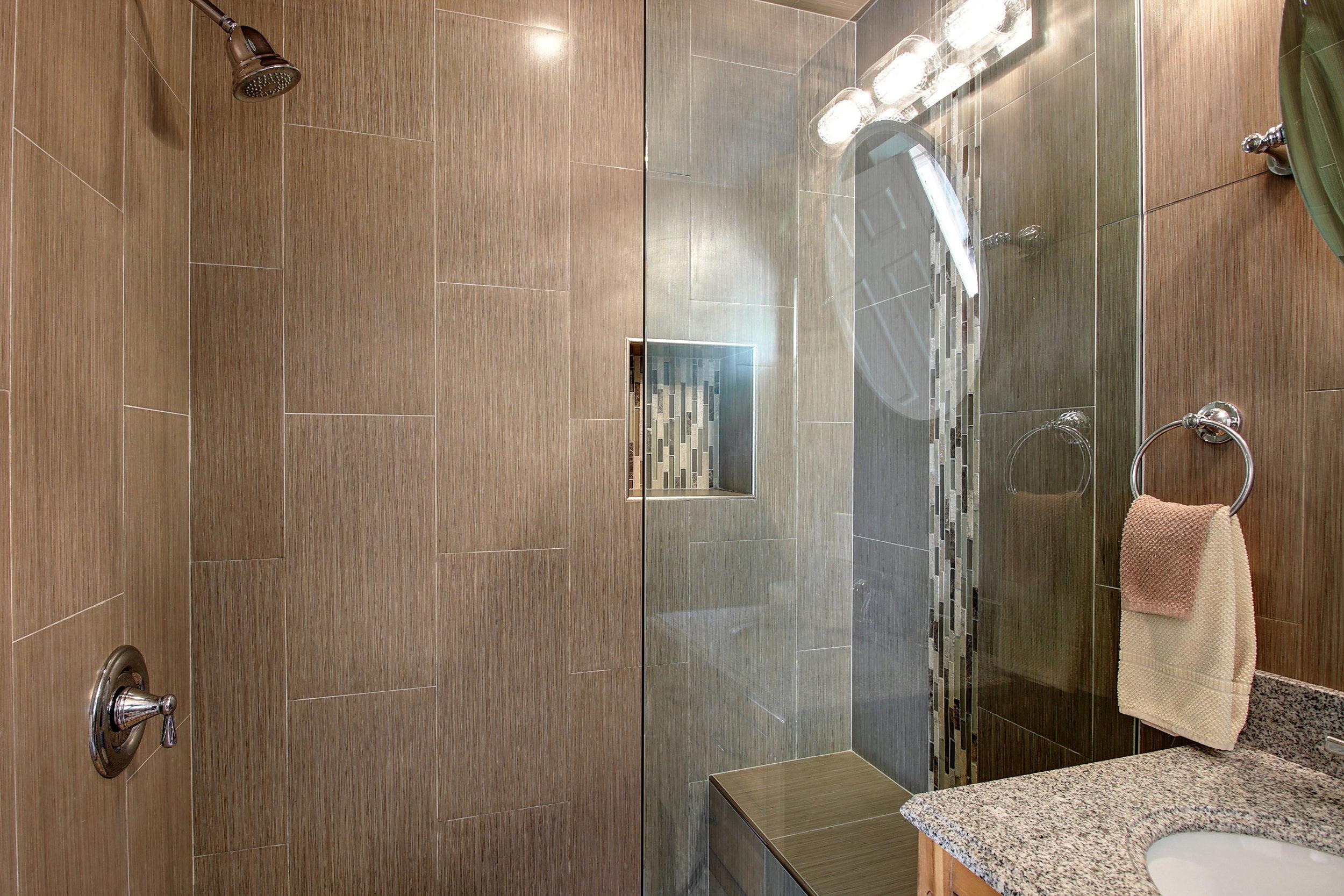 Hall shower.jpg