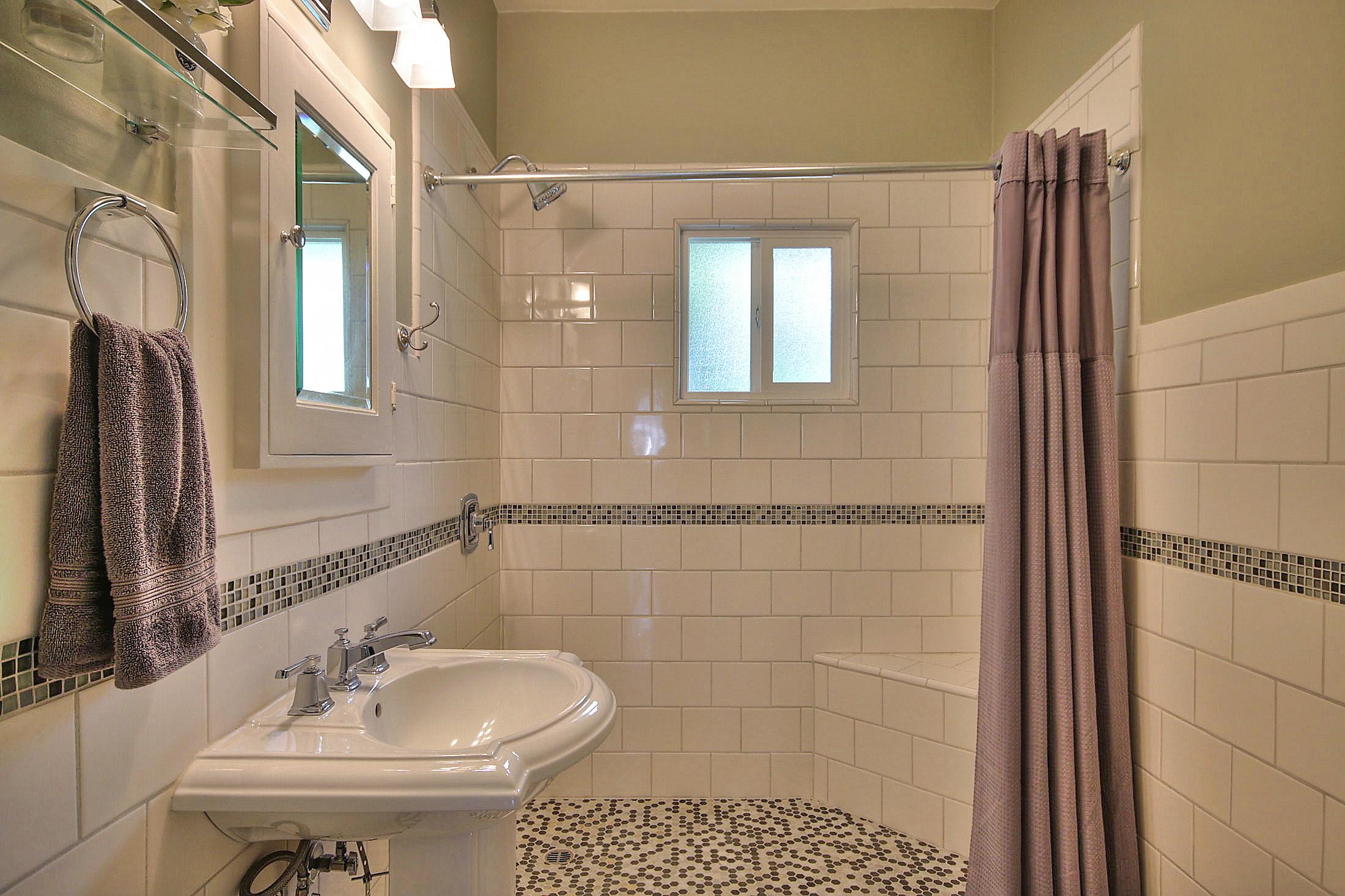 Front hall bath.jpg