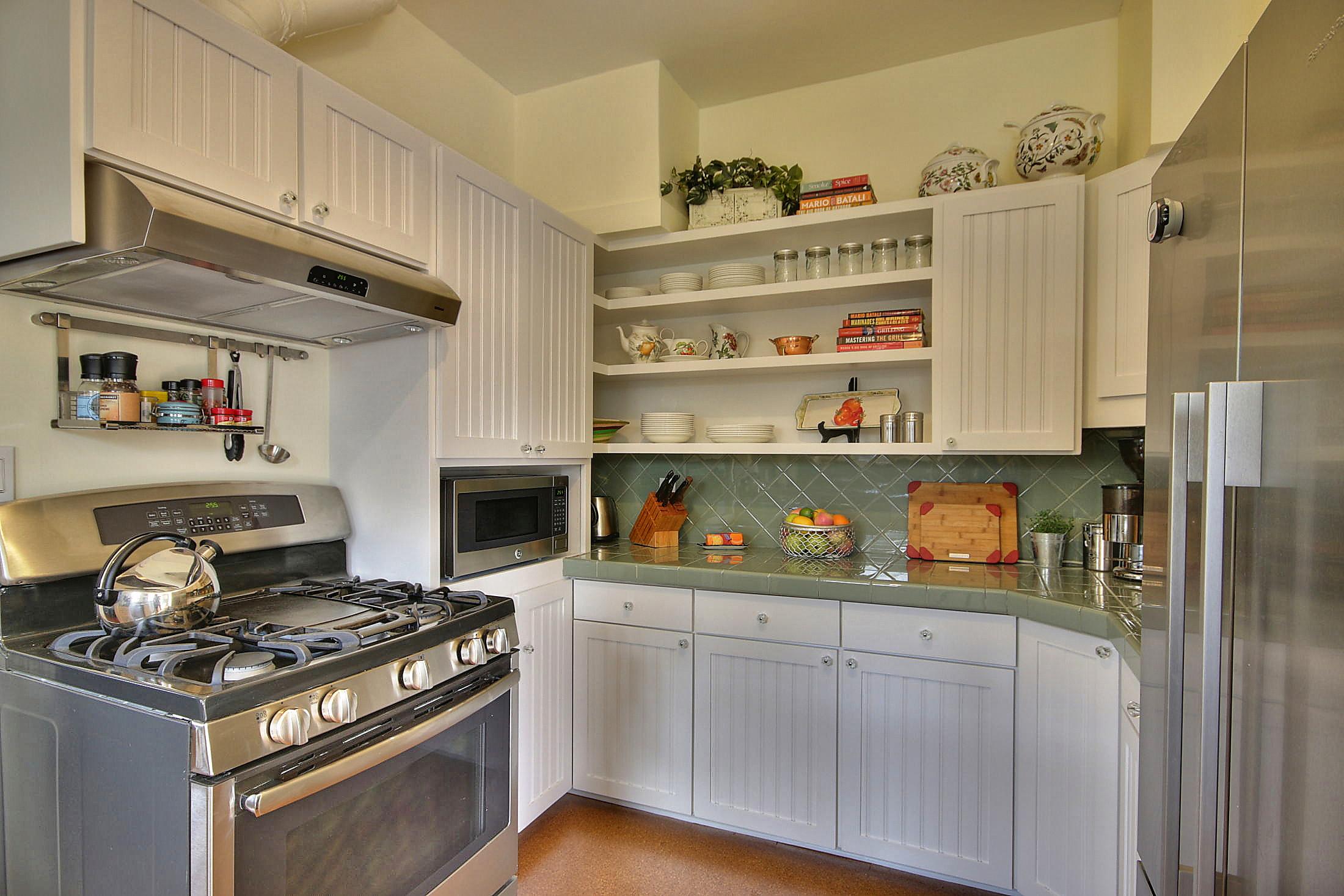 Front kitchen 1.jpg
