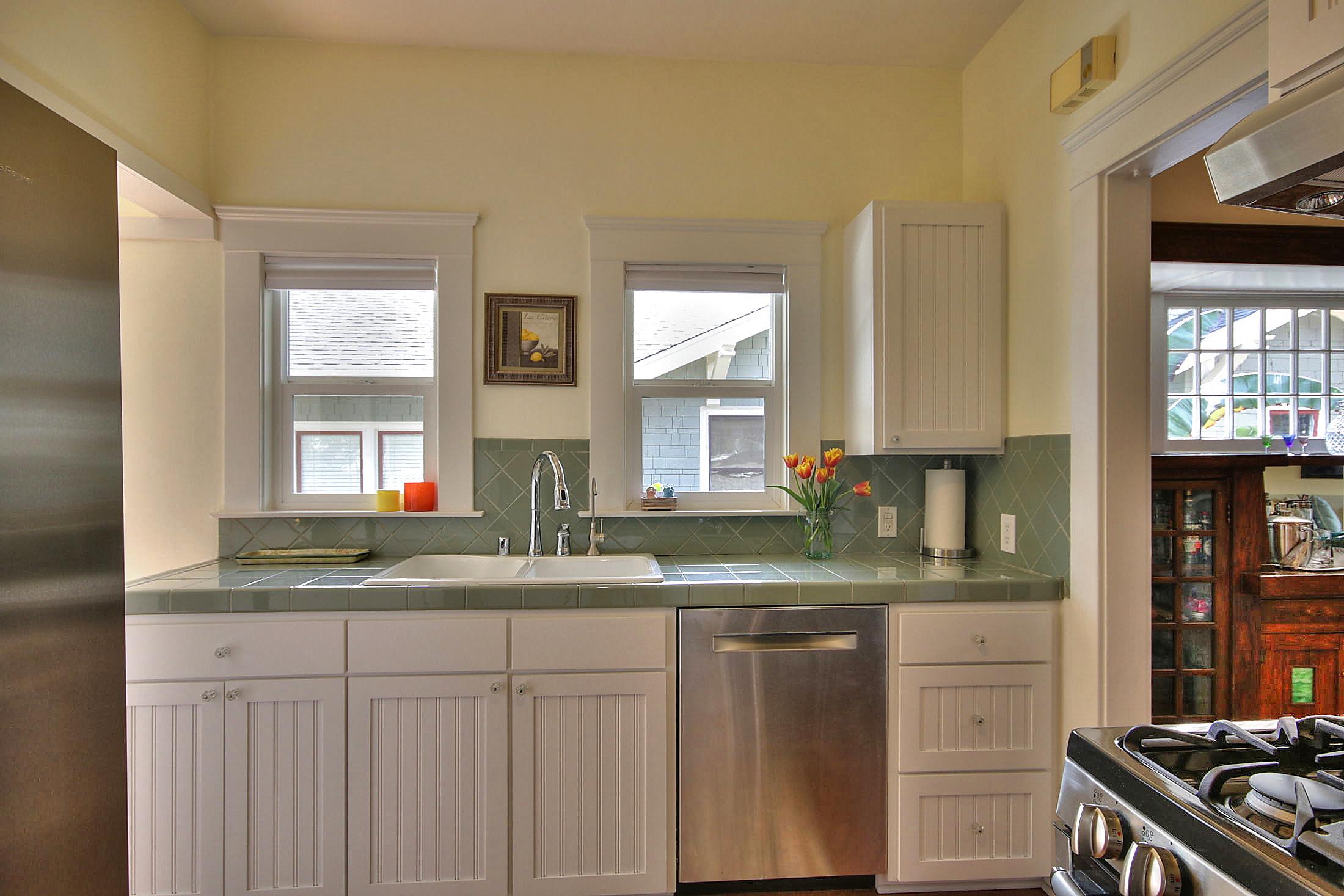 Front kitchen 2.jpg
