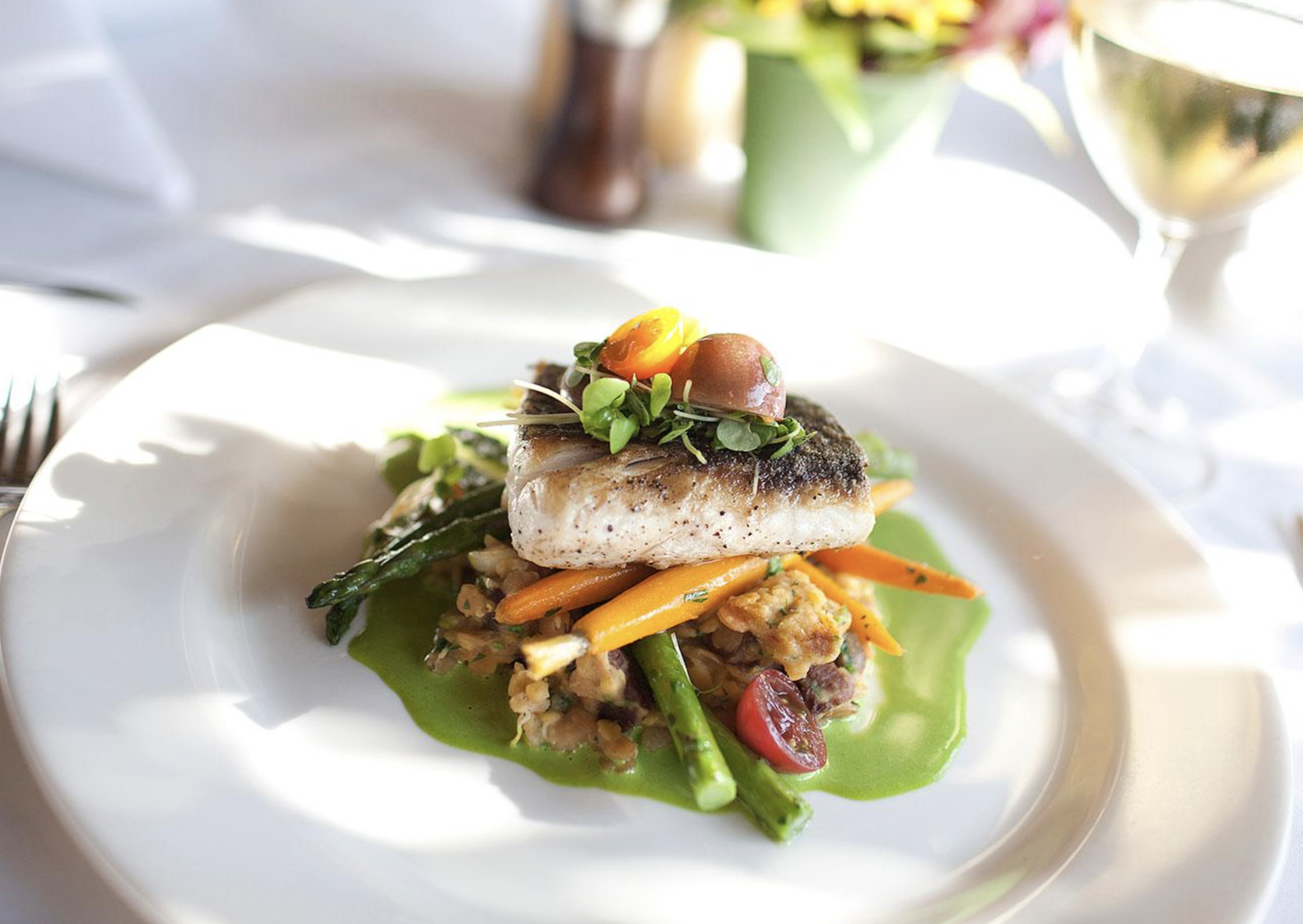 Santa Barbara Dining - SB has some of the best food in Southern California., with many great choices from romantic restaurants to family friendly diners.
