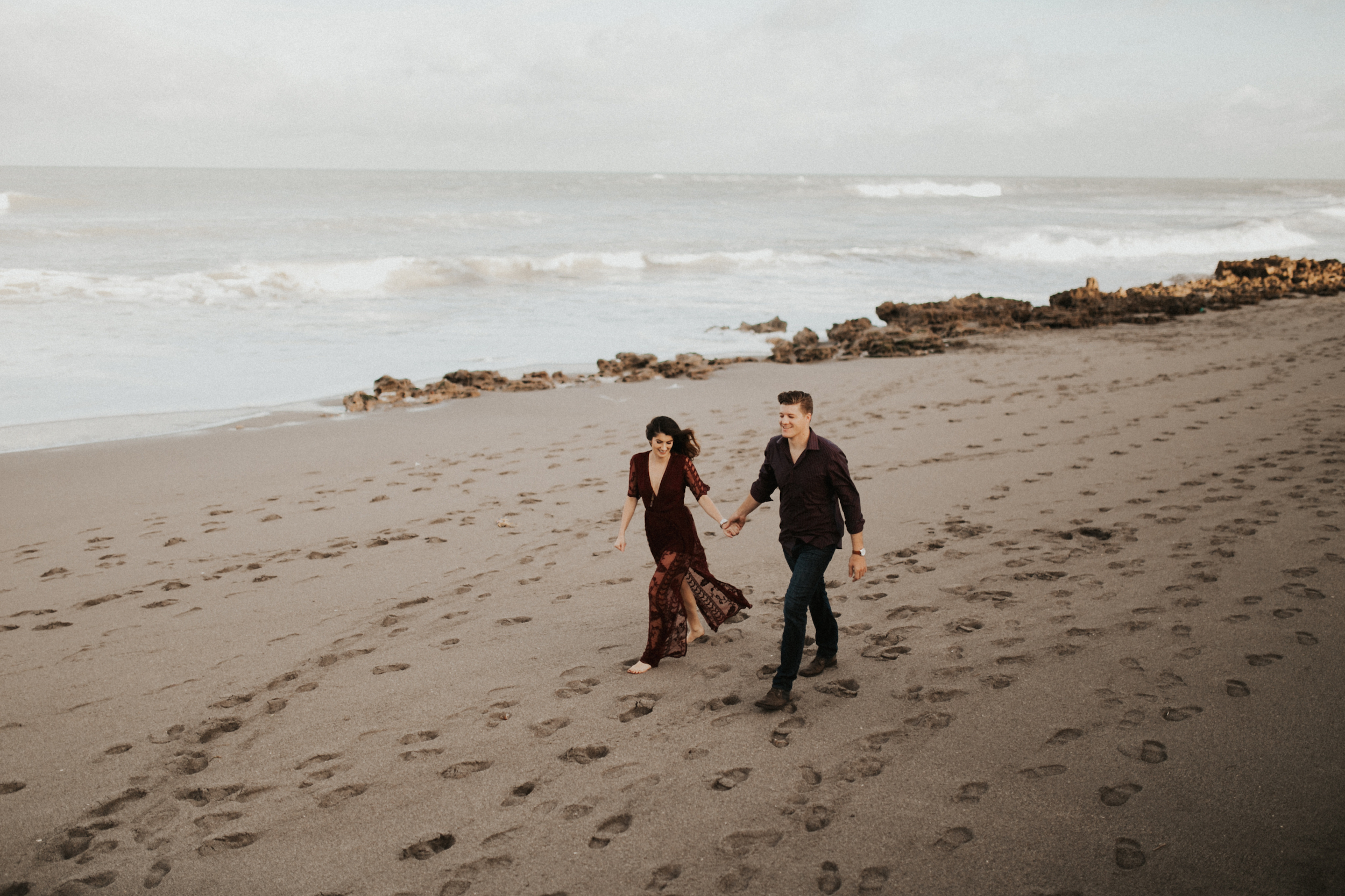 walking down jupiter island engagement session.jpg