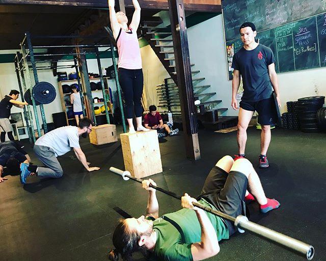 土曜日のオープンジム。 . #クロスフィット #crossfit  #フィット  #フィットネス  #トレーニング  #ワークアウト  #ボディメイク  #筋トレ #workout  #fitness #クロスフィット松柏  #京都 #crossfitshohaku  #kyoto  #crossfitinkyoto  #京都でクロスフィット  #クロスフィットは誰でもできる #anyonecandocrossfit #improvingmyself #自分と向き合う #健康になりたい #resistancetraining #レジスタンストレーニング