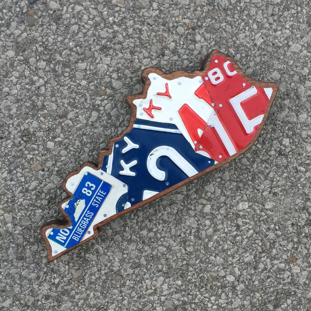 KY SMALL RED,WHITE & BLUE - SIZE: 11 x 5 in.