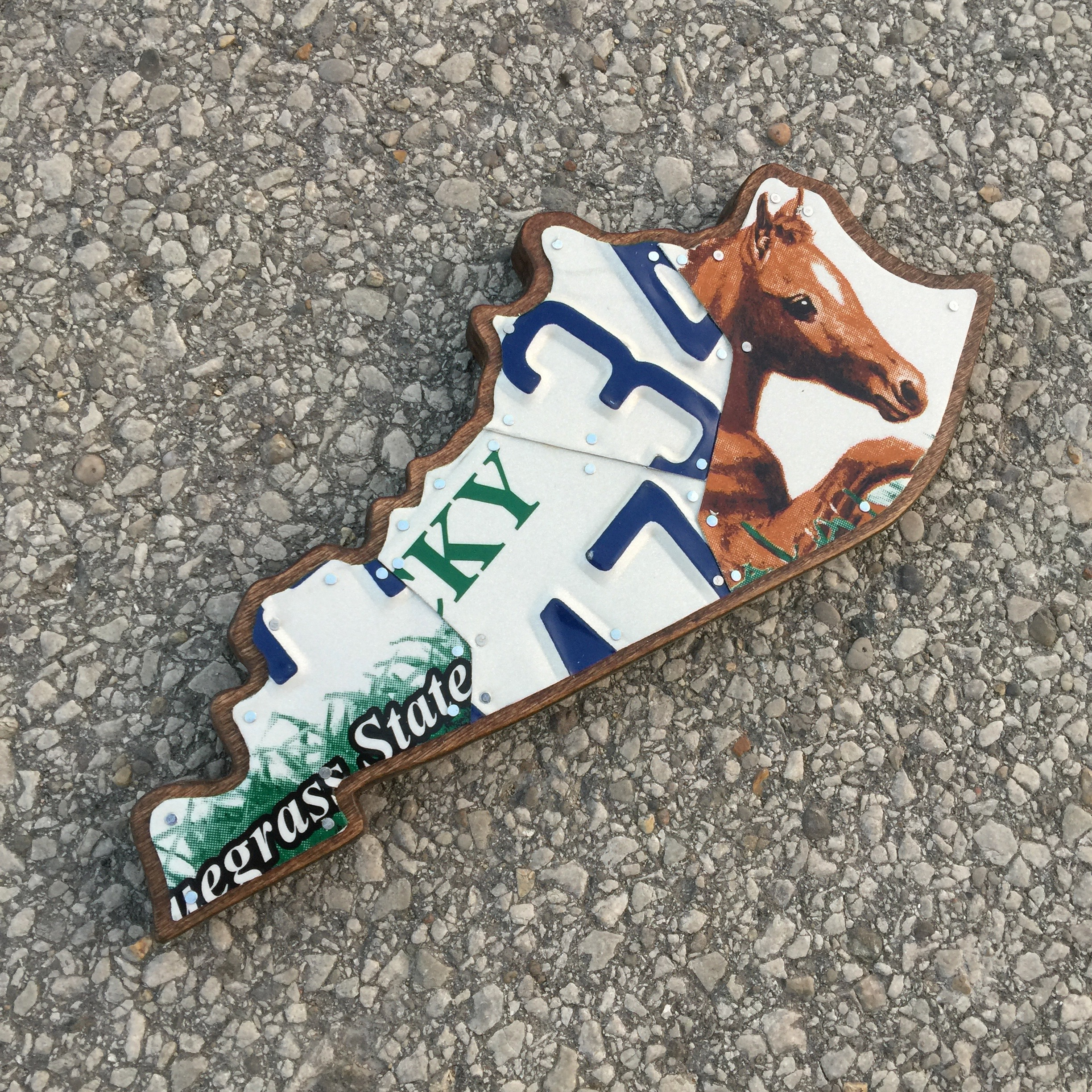 KY SMALL HORSE COUNTRY - SIZE: 11 x 5 in.
