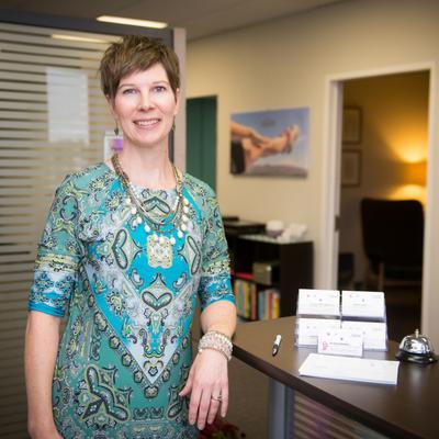 Lisa Ledingham    Office Manager
