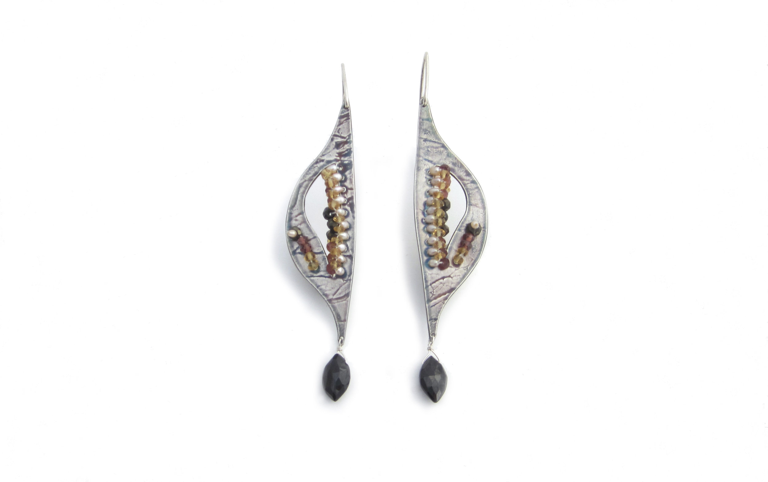 FoldNStitch_Earrings#16_LexiDaly_Lrg.jpg