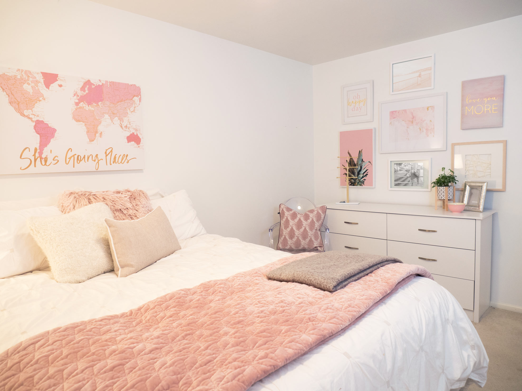What a difference! Elle loved her bedroom transformation.
