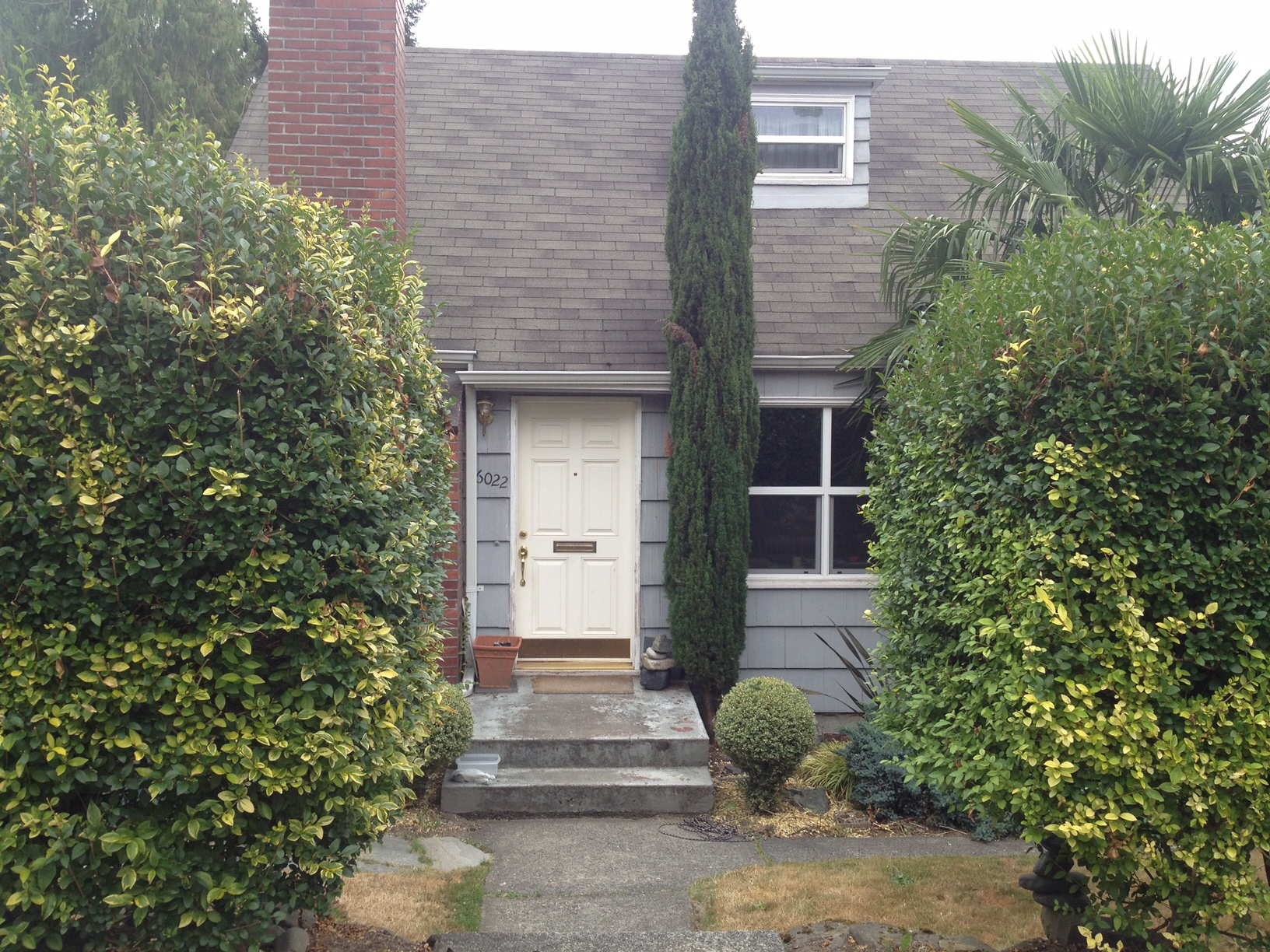 You could barely see this home behind all of the shrubs, but it was in the perfect neighborhood.