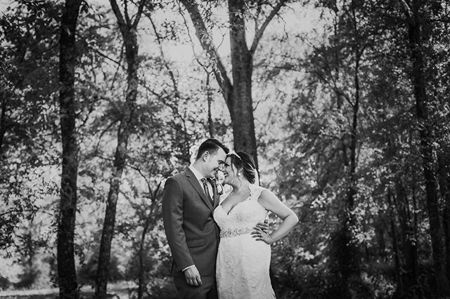 Happy one month anniversary to Courtney & Adam! . . . . #alweddingphotographer #mathewsmanor #kelliguthriephotography #alweddingsmag #theknot #thatsdarling #greenweddingshoes #blackandwhiteisworththefight #southernbride #offbeatbride #weddingphotography #weddinglovebug
