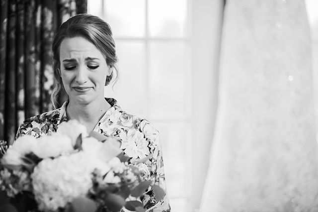 The moment she saw her Grandmother's jewelry on her bouquet 😭💖 . . . . . #getbrownonit #brownfarmsweddings #lynnvilletn #Pulaski #capturethemoment #thatsdarling #theknot #bouquet #grandmother #kelliguthriephotography #alweddingphotographer #southernbride #greenweddingshoes #ppa #theknotweddings #gethitched #prep #thesincerestoryteller