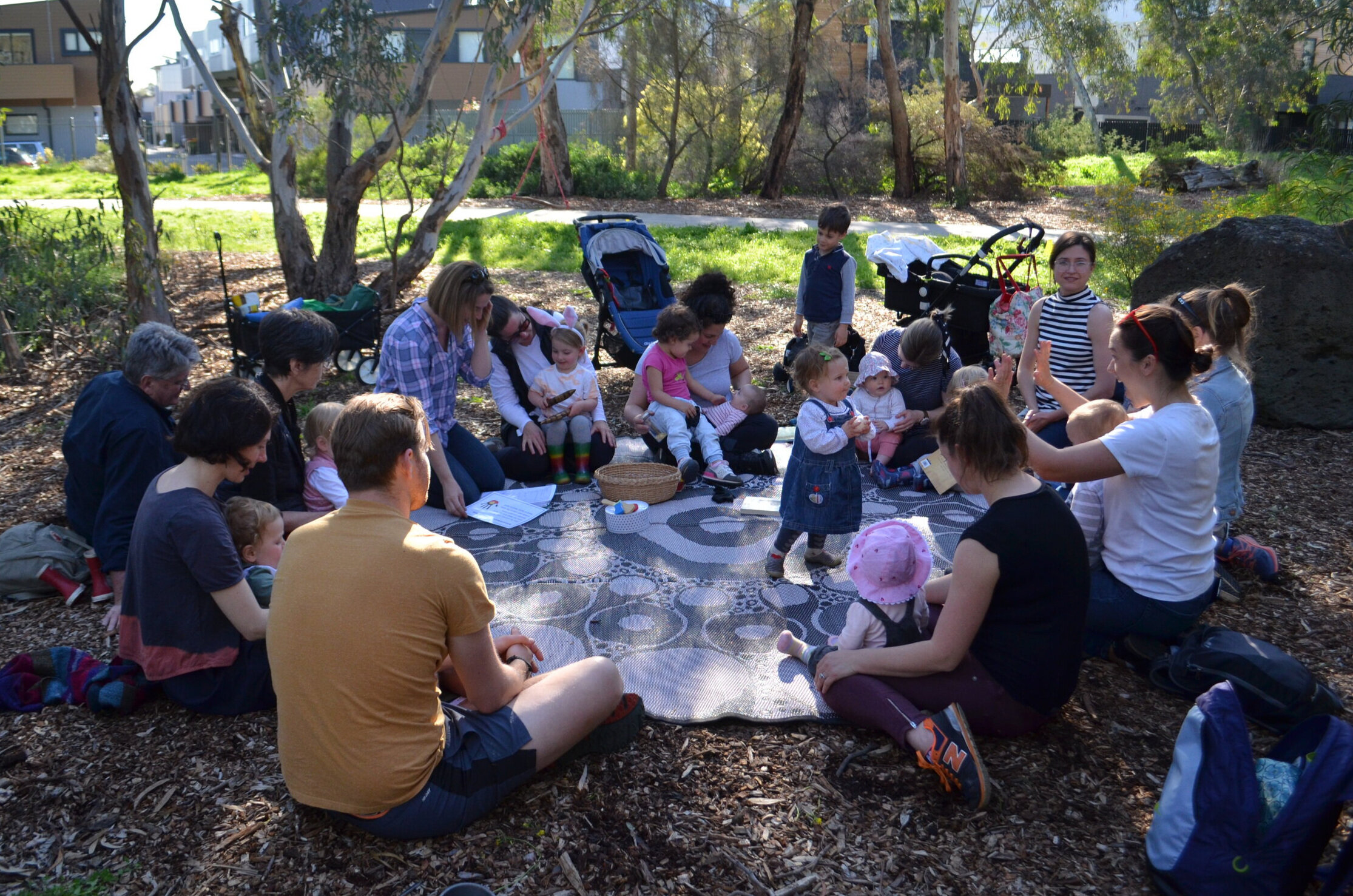 Reconnecting with the natural world and each other - Darebin Creek Bush Playgroup