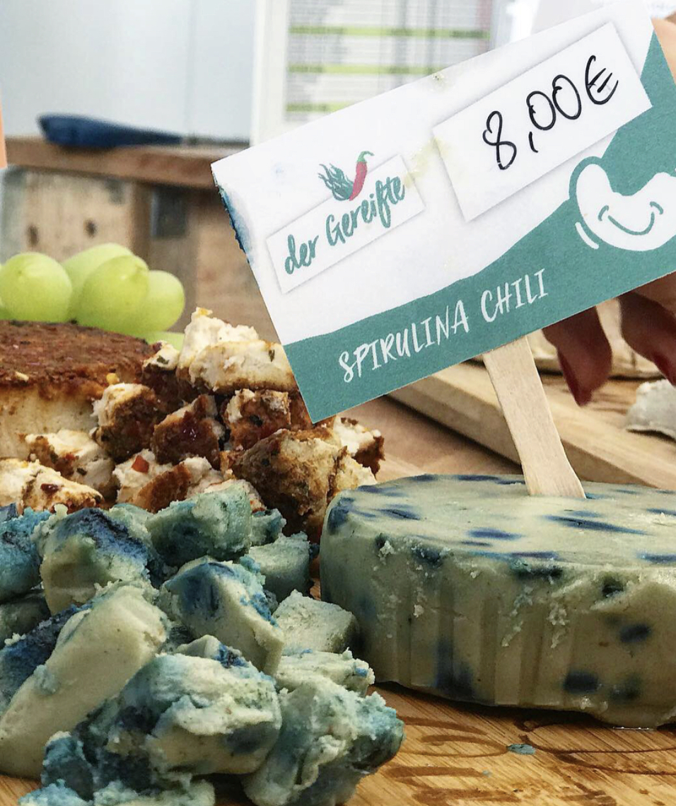 Spirulina cashew cheese? Who would have thought!