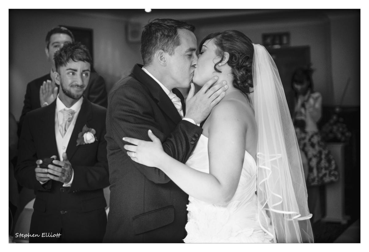 bride_groom_kiss.jpg