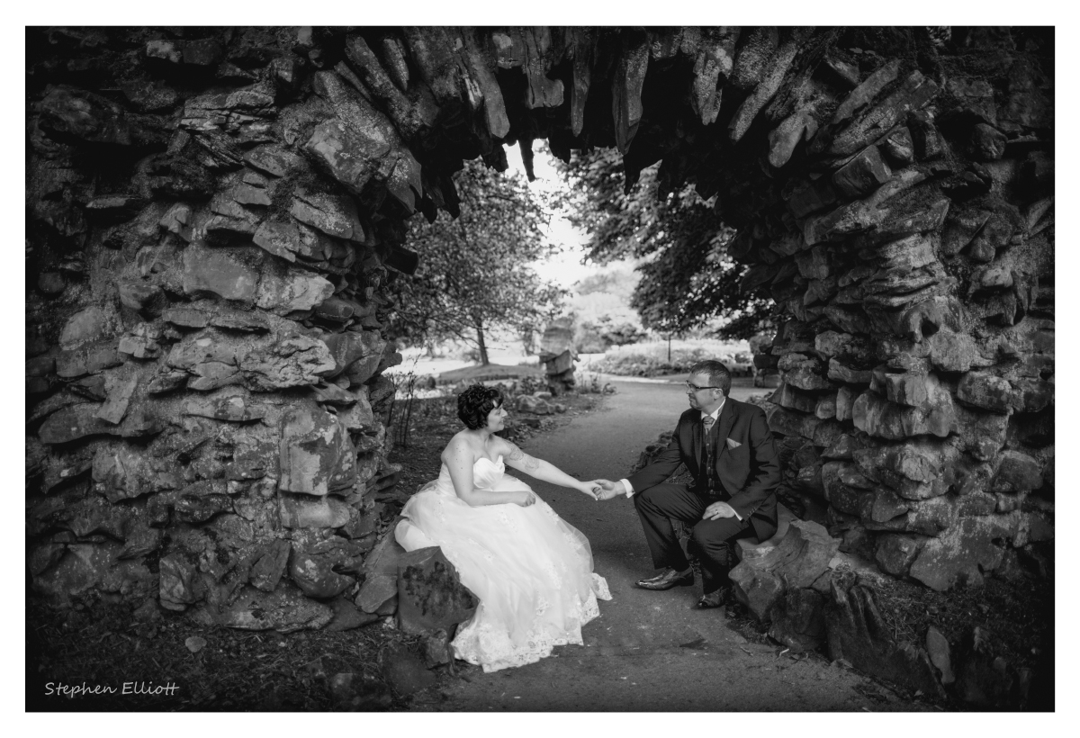 bride_groom_arch.jpg