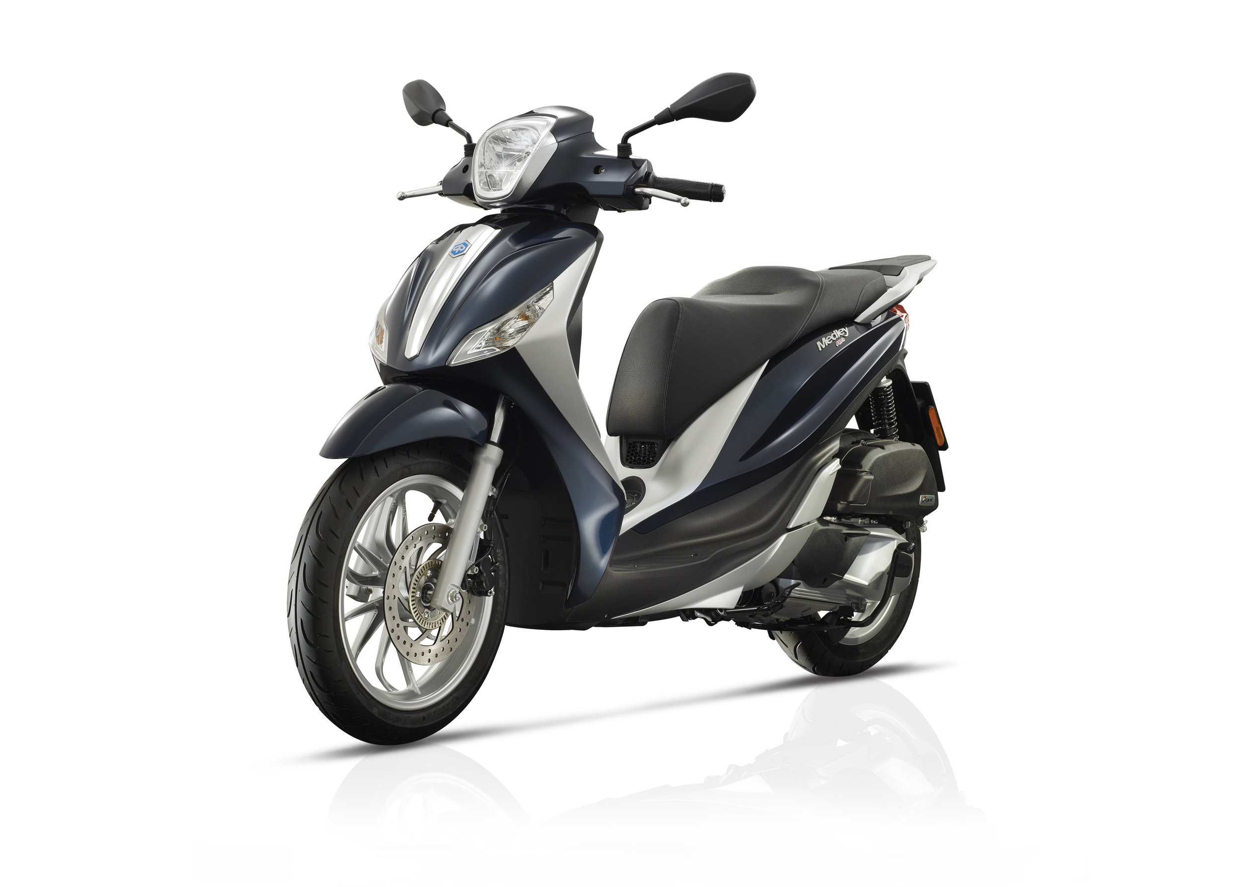 Piaggio Medley 125 equipped lateral dx 10.jpg
