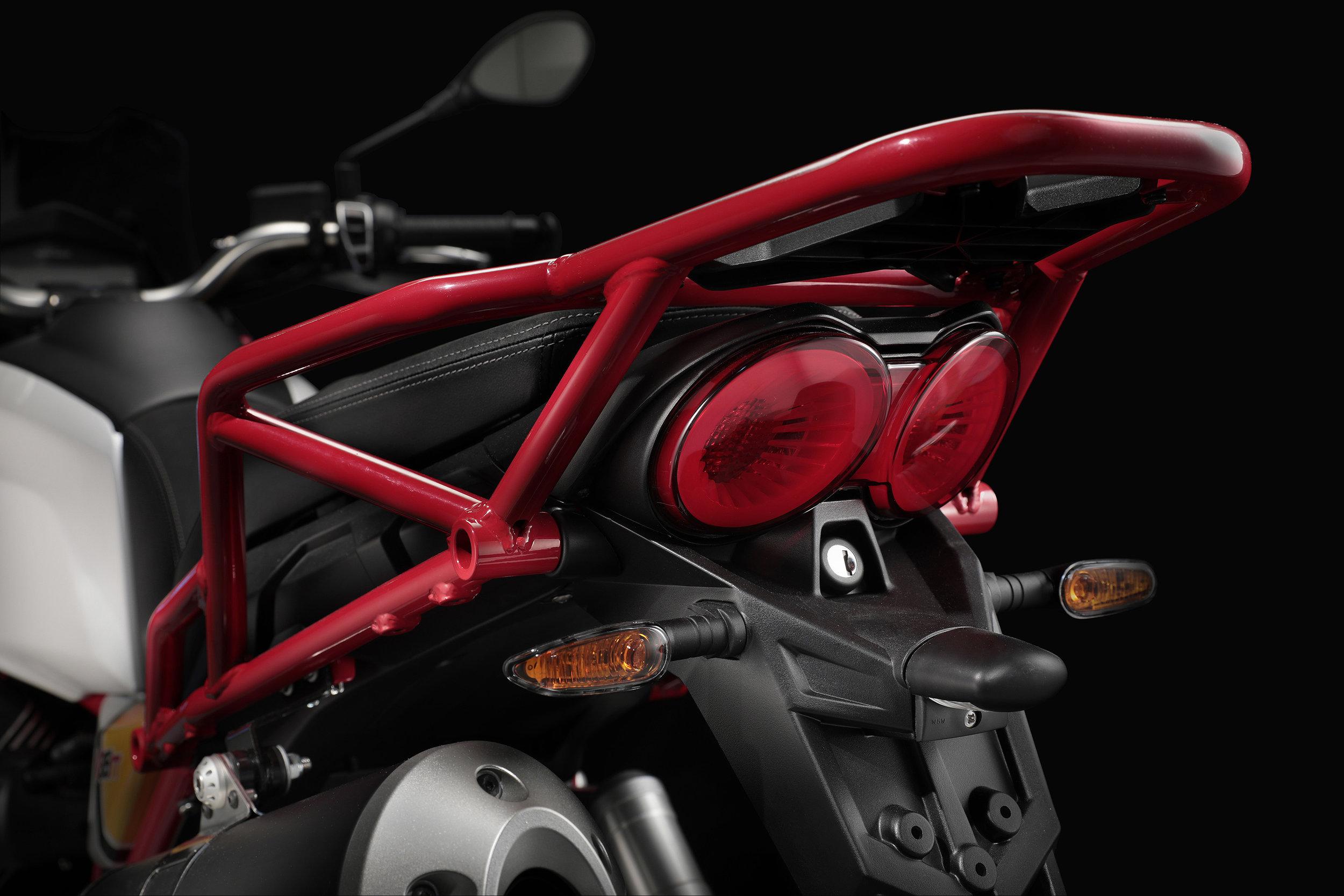 23 Moto Guzzi V85 TT.jpg