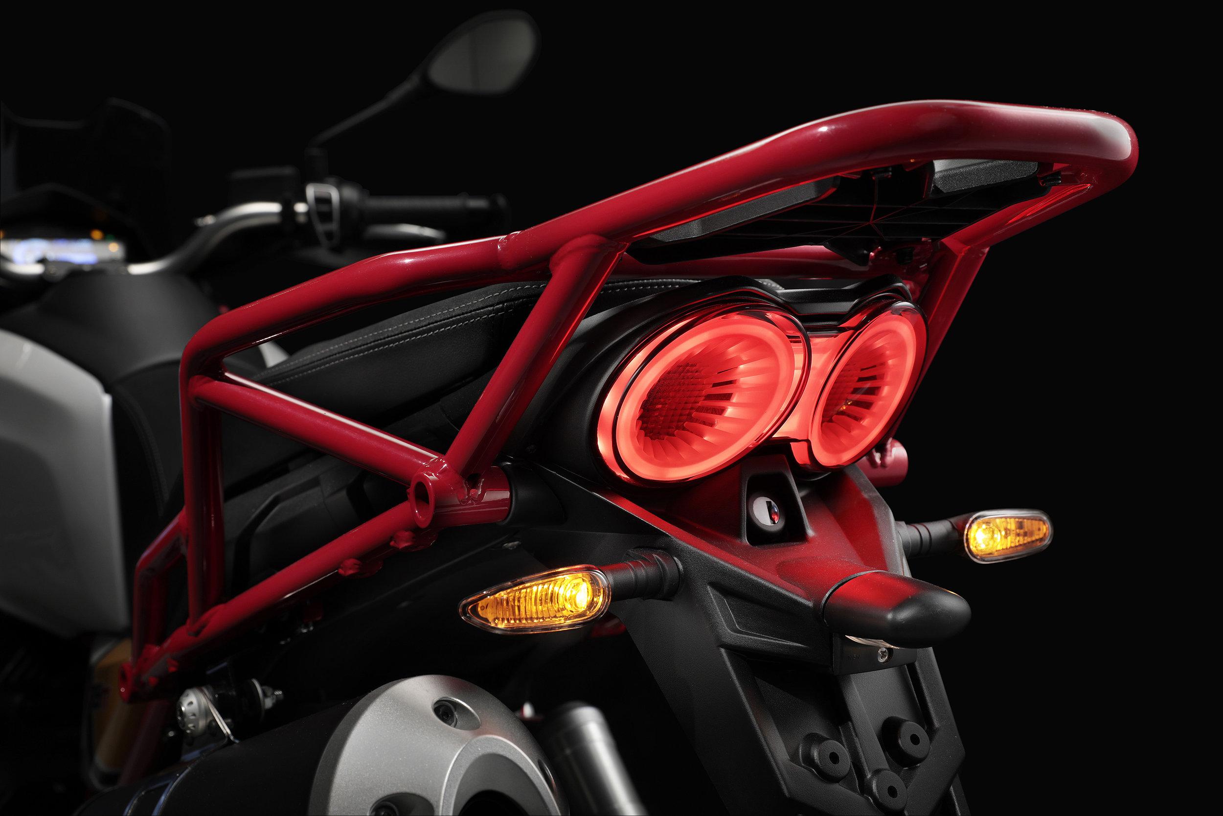 22 Moto Guzzi V85 TT.jpg