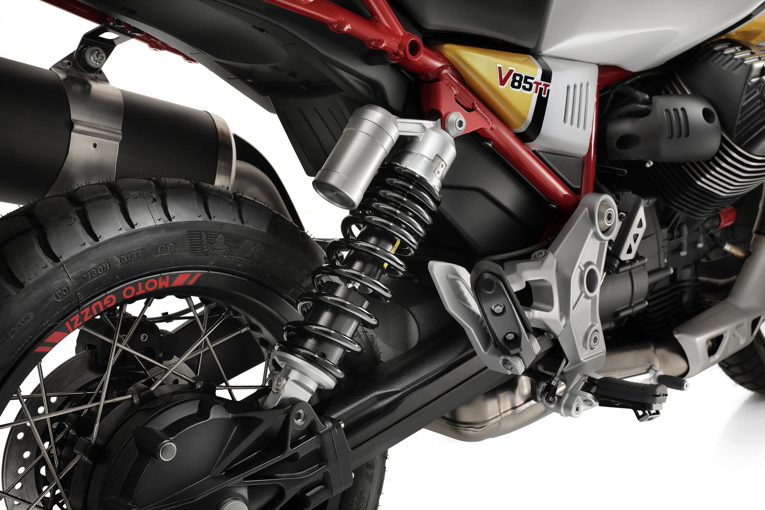 29 Moto Guzzi V85 TT.jpg