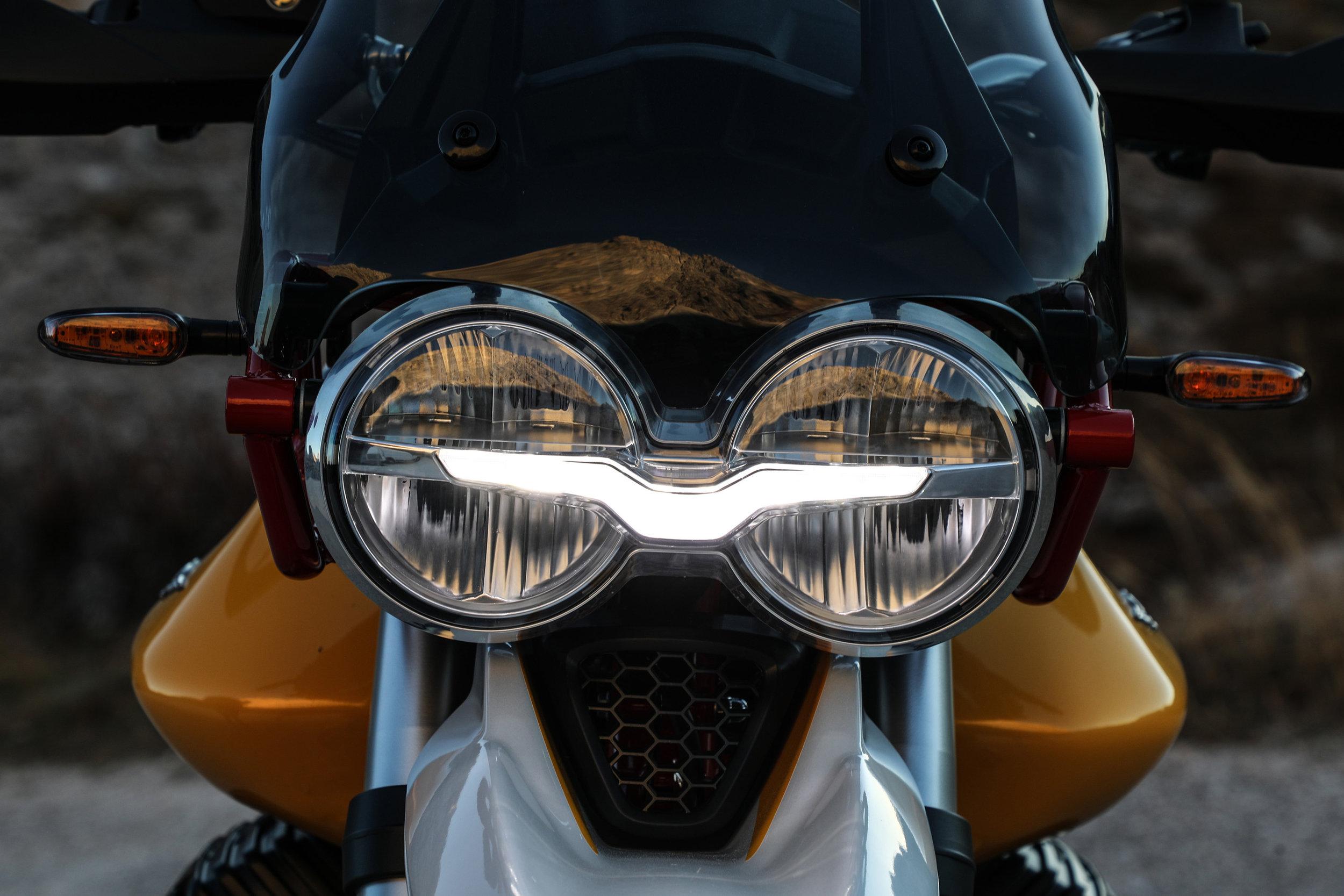 32 Moto Guzzi V85 TT.jpg