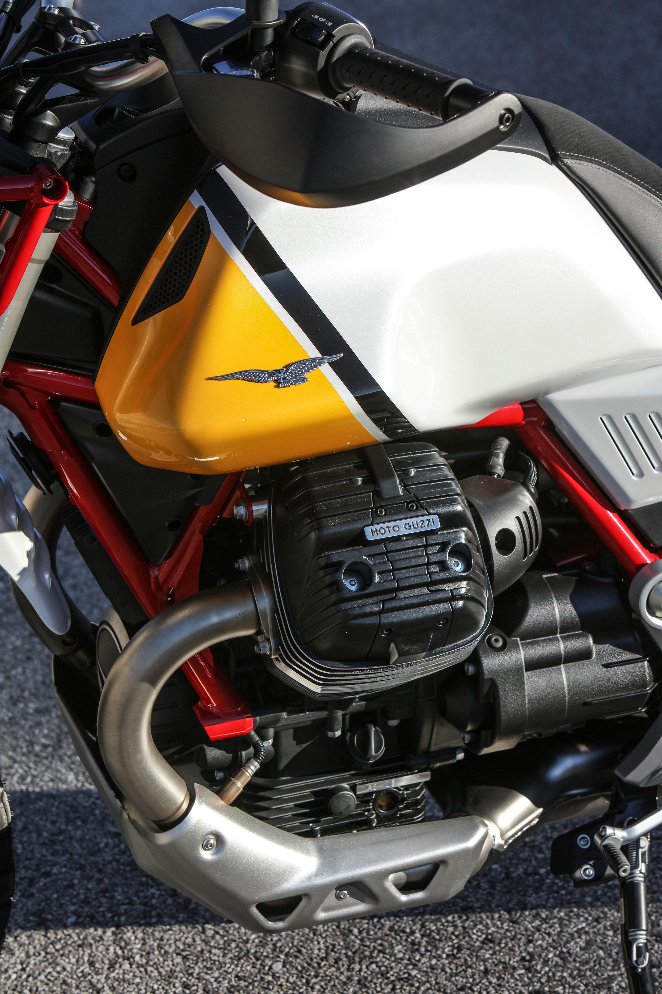 35 Moto Guzzi V85 TT.jpg