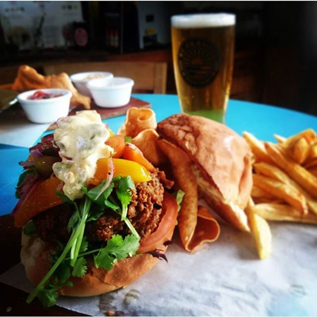 Scrumptious Food by @danielhoffman27 🍺👌🏻🍔🍤🌭🍕🥞🥓 #stfrancisbrewery #beer #beertasting #beerandfood #beerstagram #southafrica #yum #southafrica