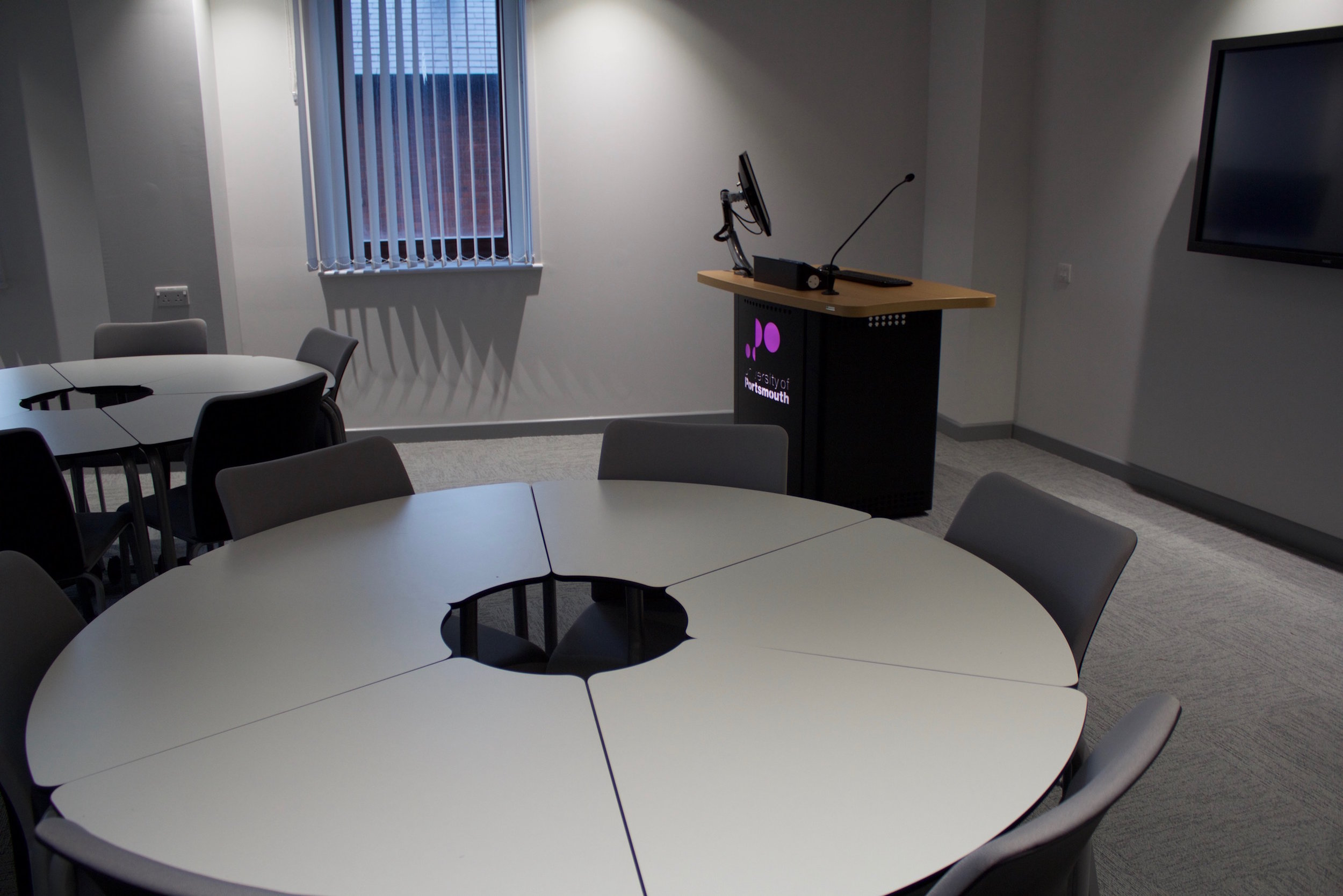 university of portsmouth business simulation suite 12.jpg