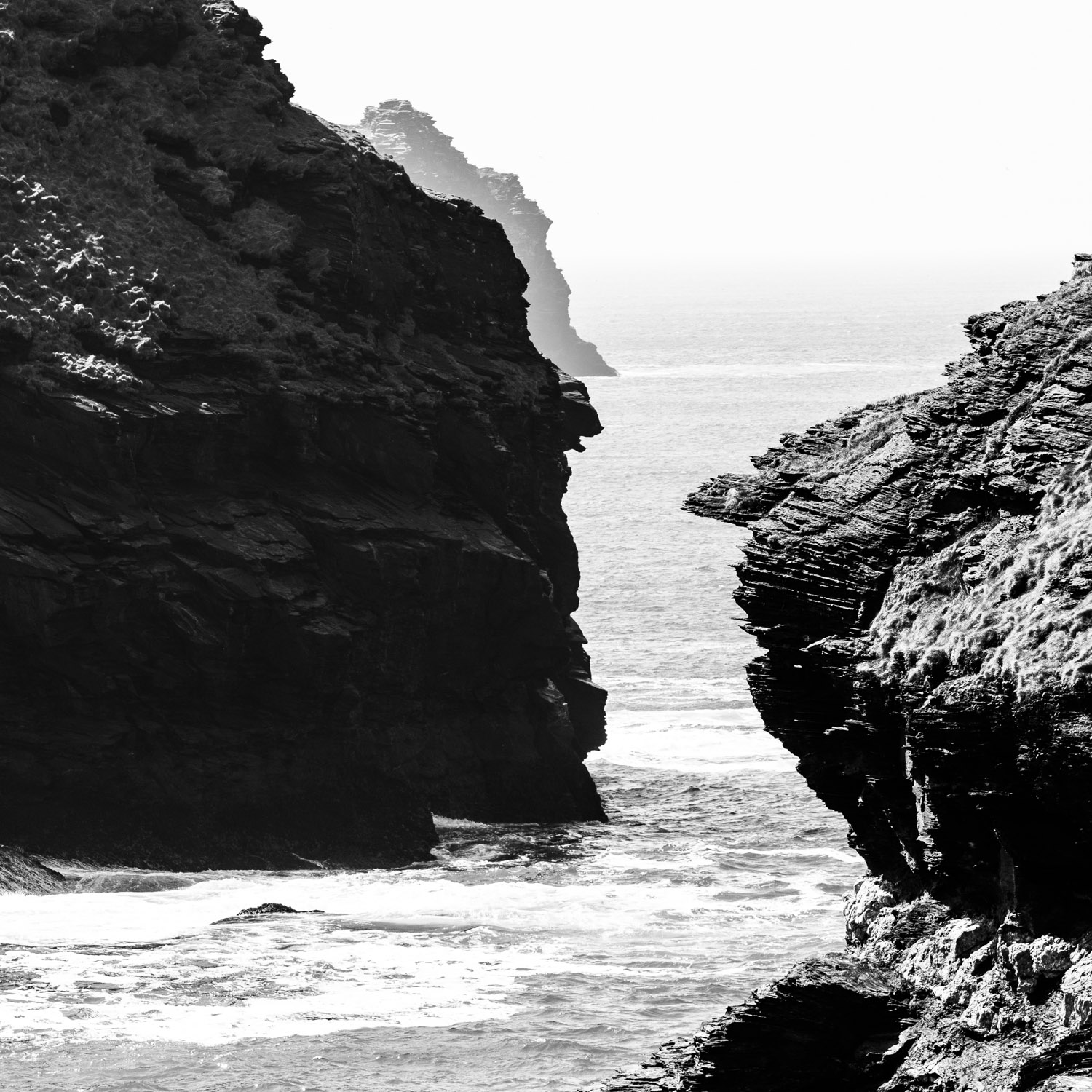 Boscastle B&W LR (4 of 4).jpg