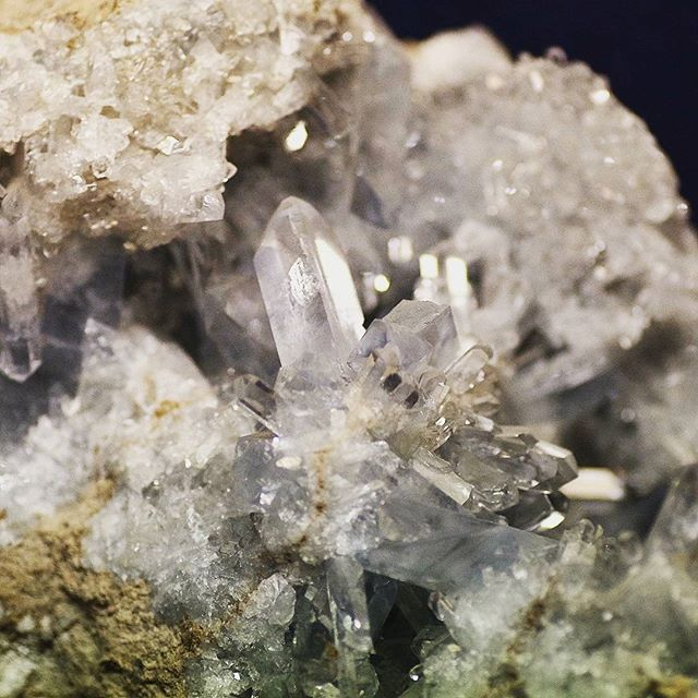 ◼ Lovely little Calcite crystal ◼  #natgeo #splendid_earth #earthfocus #pixel_ig #awesomeearth #picoftheday #minerals #crystallove #stones #gemology #crystals #beautiful #igdaily #fineminerals #love #gem #gems #crystal #igers #instagood #gemsandminerals #mineralogy #naturalstones #rawgems #rawstones #geology #follow4follow