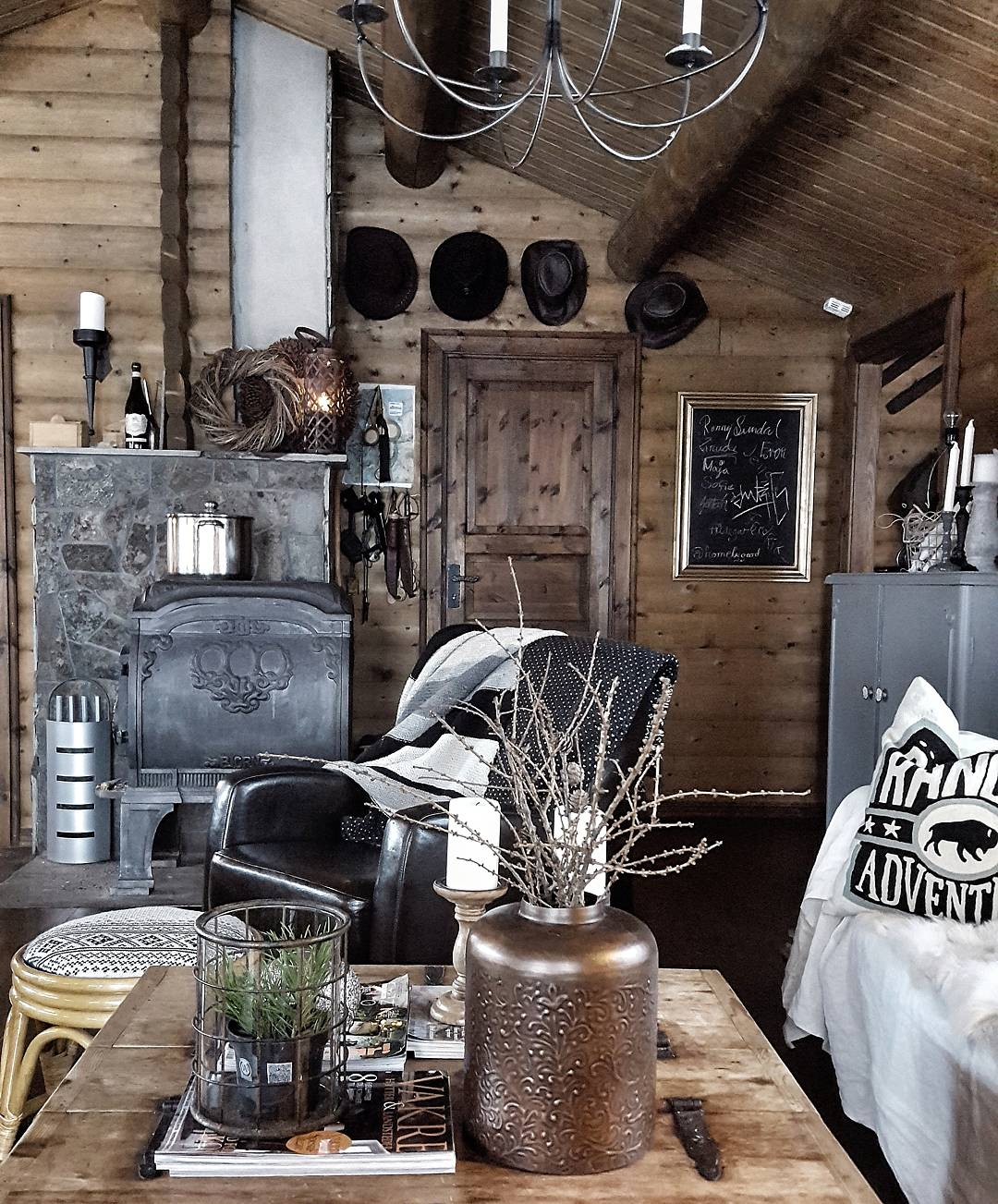 Gorgeous wooden walls and ceiling add texture and a cosy feel to the cabin