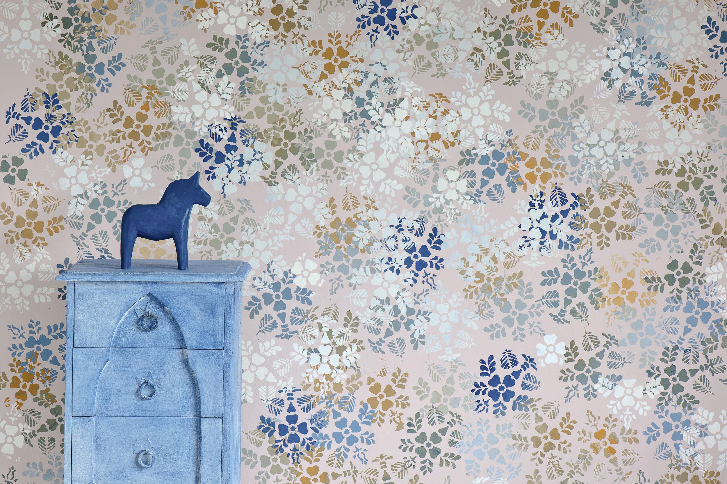 Random stencilled wall image 1 300dpi.jpg