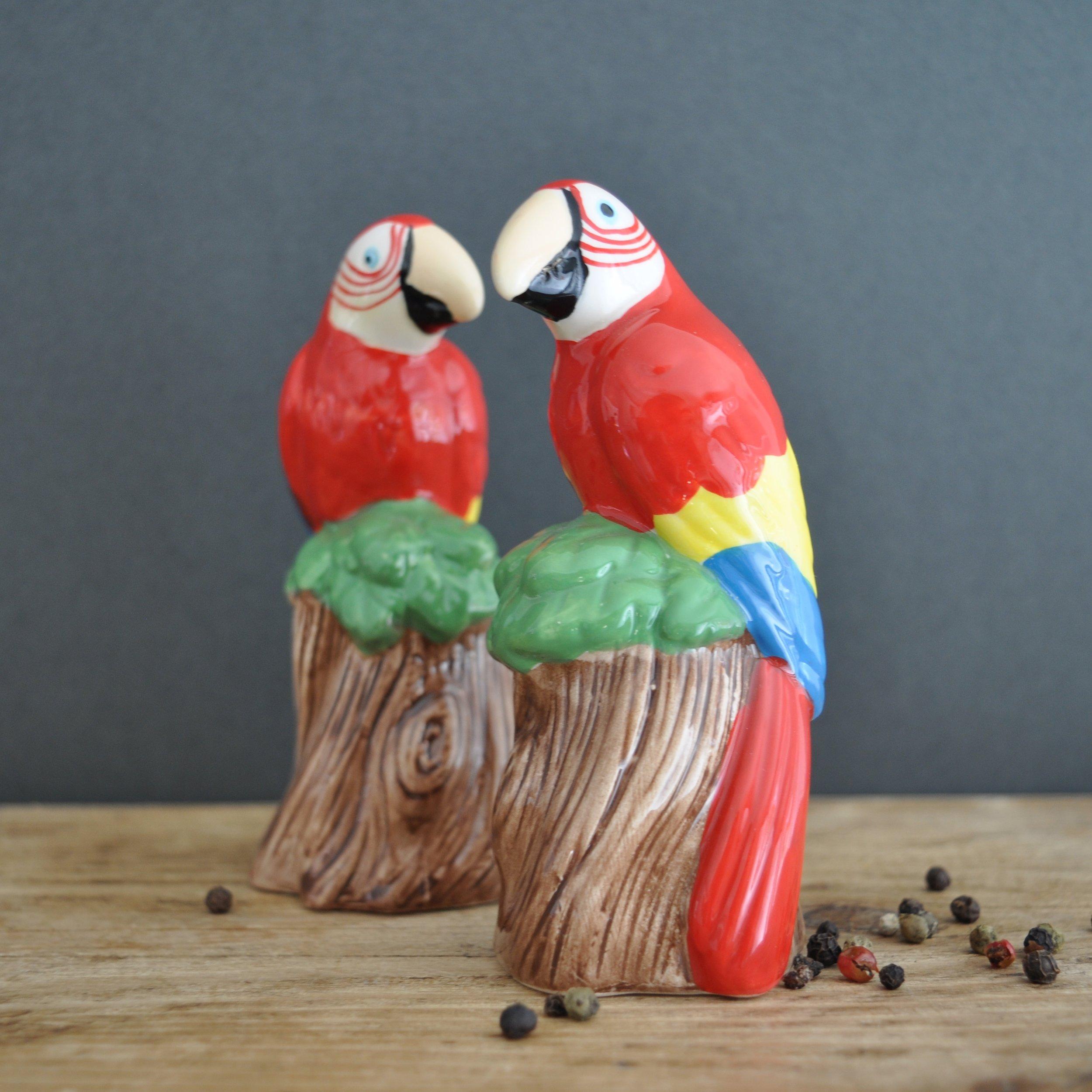 Parrot-Salt-and-Pepper-Shaker-Set.jpg
