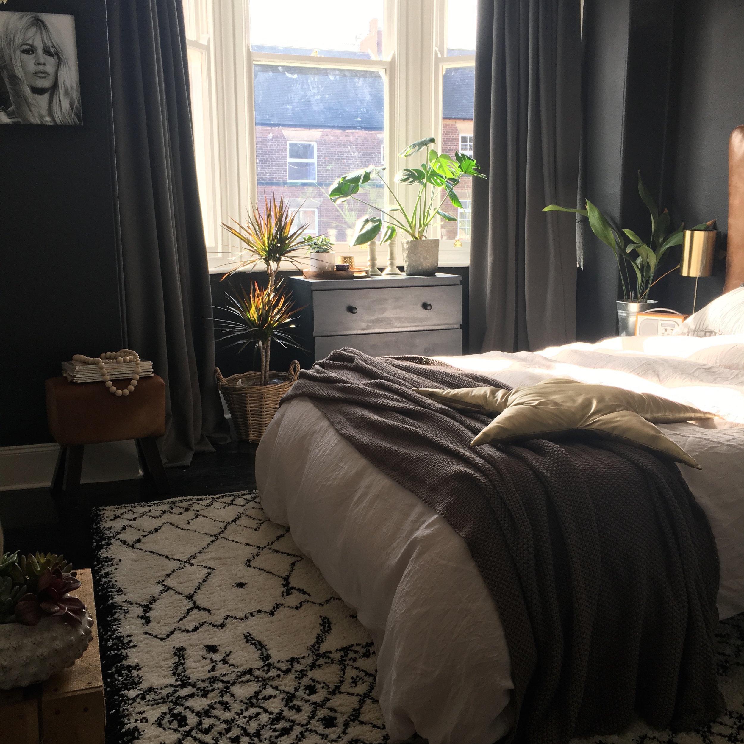 Master bedroom1 copy.jpg