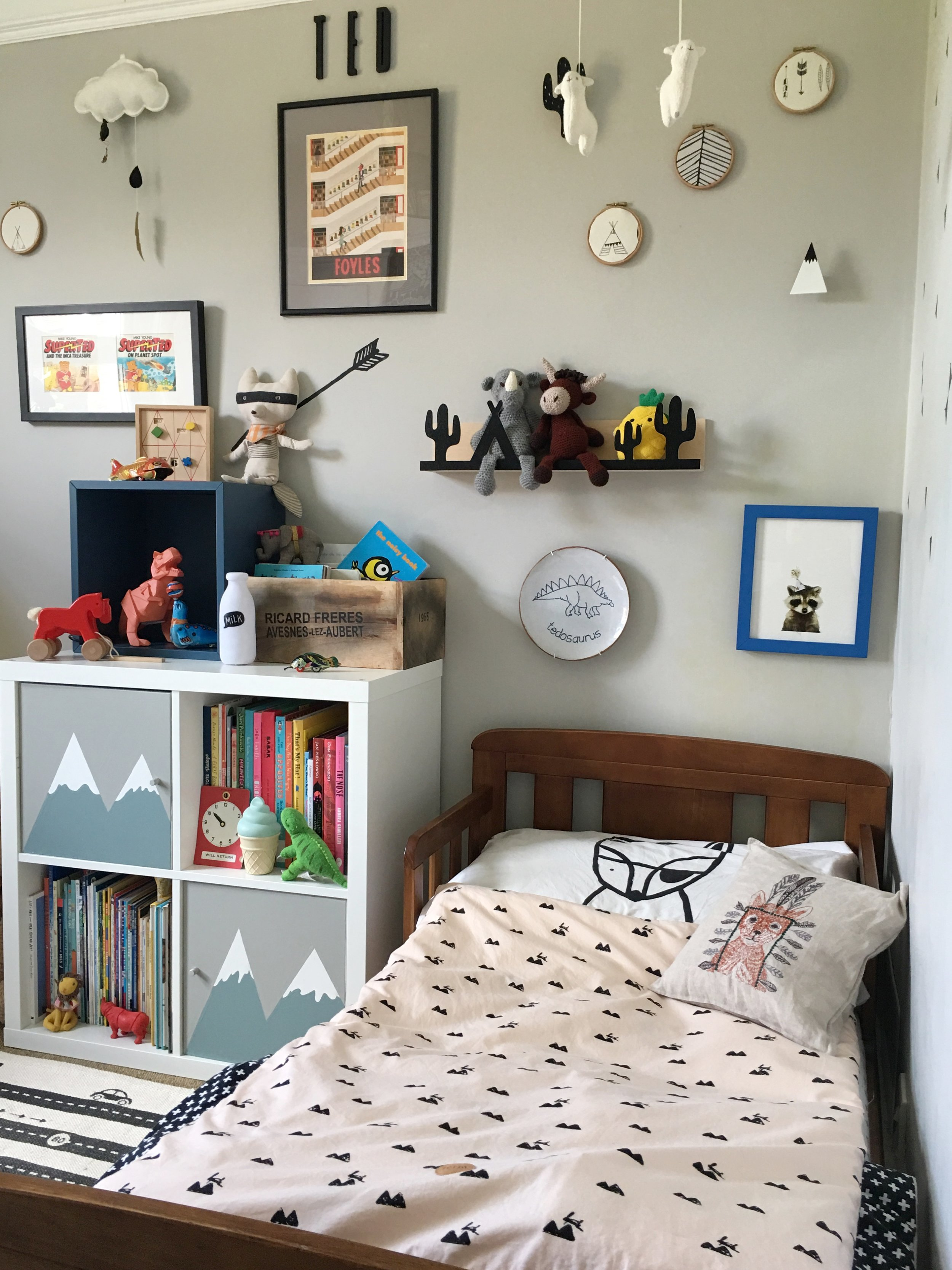 Farrow Ball cornforth white, interior ideas, childrens room decor with a  vintage and wooden toys, ikea kallax hack with hand painted mountains ferm living bedding copy.jpg
