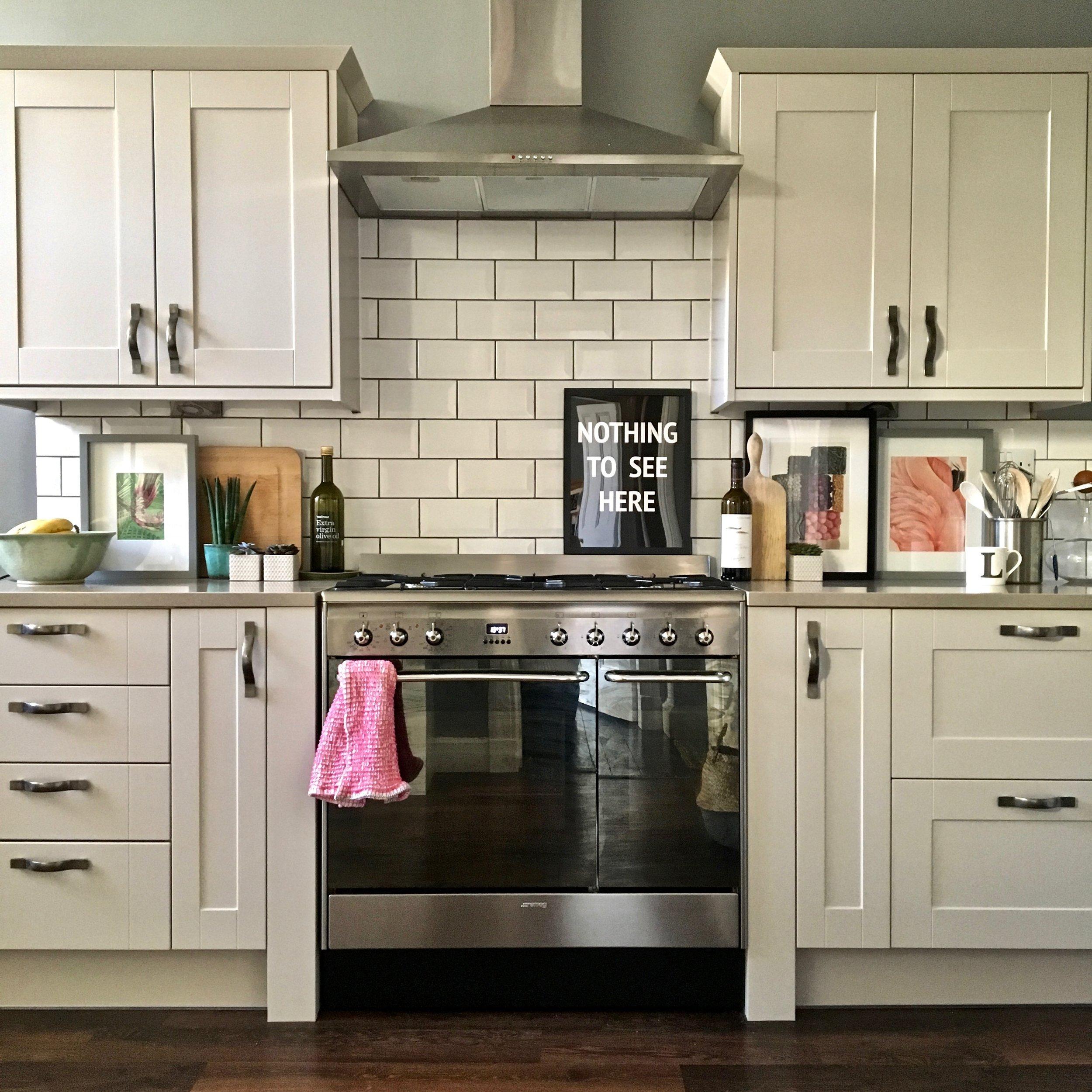 Liznylon_kitchen_with_range_cooker.jpg