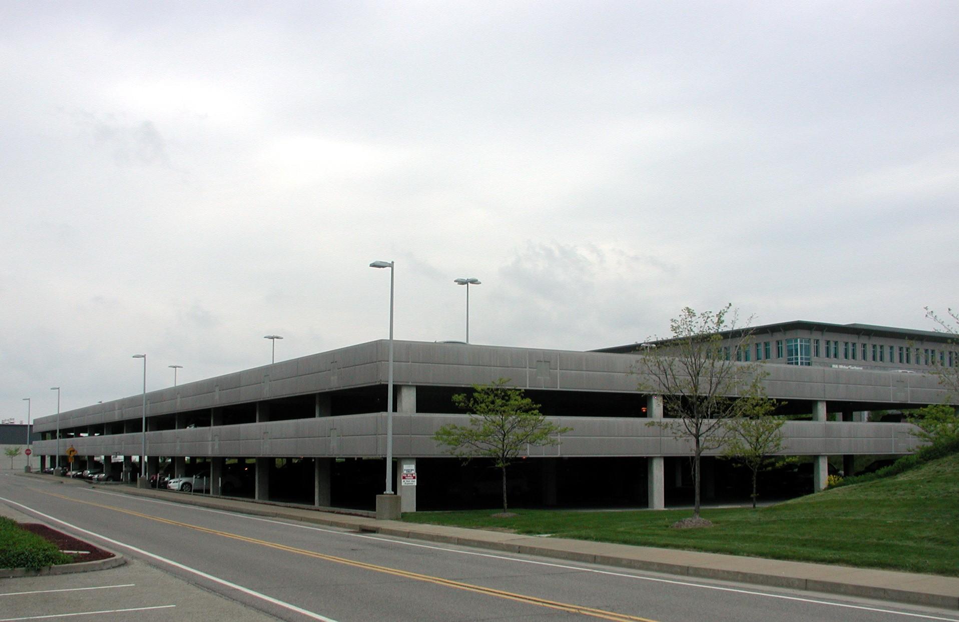 AIRSIDE BUSINESS PARK - POST TENSION GARAGE