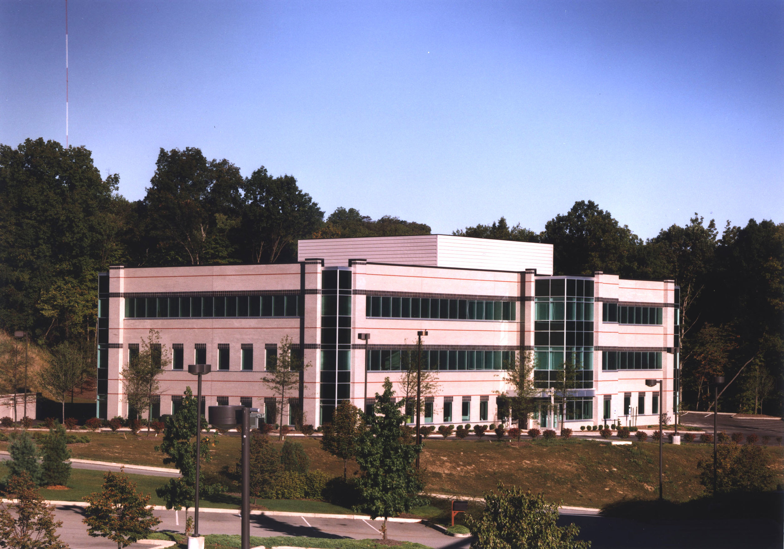 POINT PLAZA OFFICE BUILDING  SOUTHPOINTE